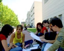 Convocatòria de beques per a l'alumnat d'enginyeria del sistema universitari català que participi activament en l'orientació d'estudiants de primer curs (EnginyCat 2011)