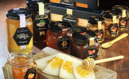 Visita mels Alemany, tast de mels i visita i dinar de germanor al Monestir de les Avellanes