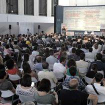 """Conferència: """"Transformació digital i entorns personals"""" Genís Roca i Milagros Pérez"""
