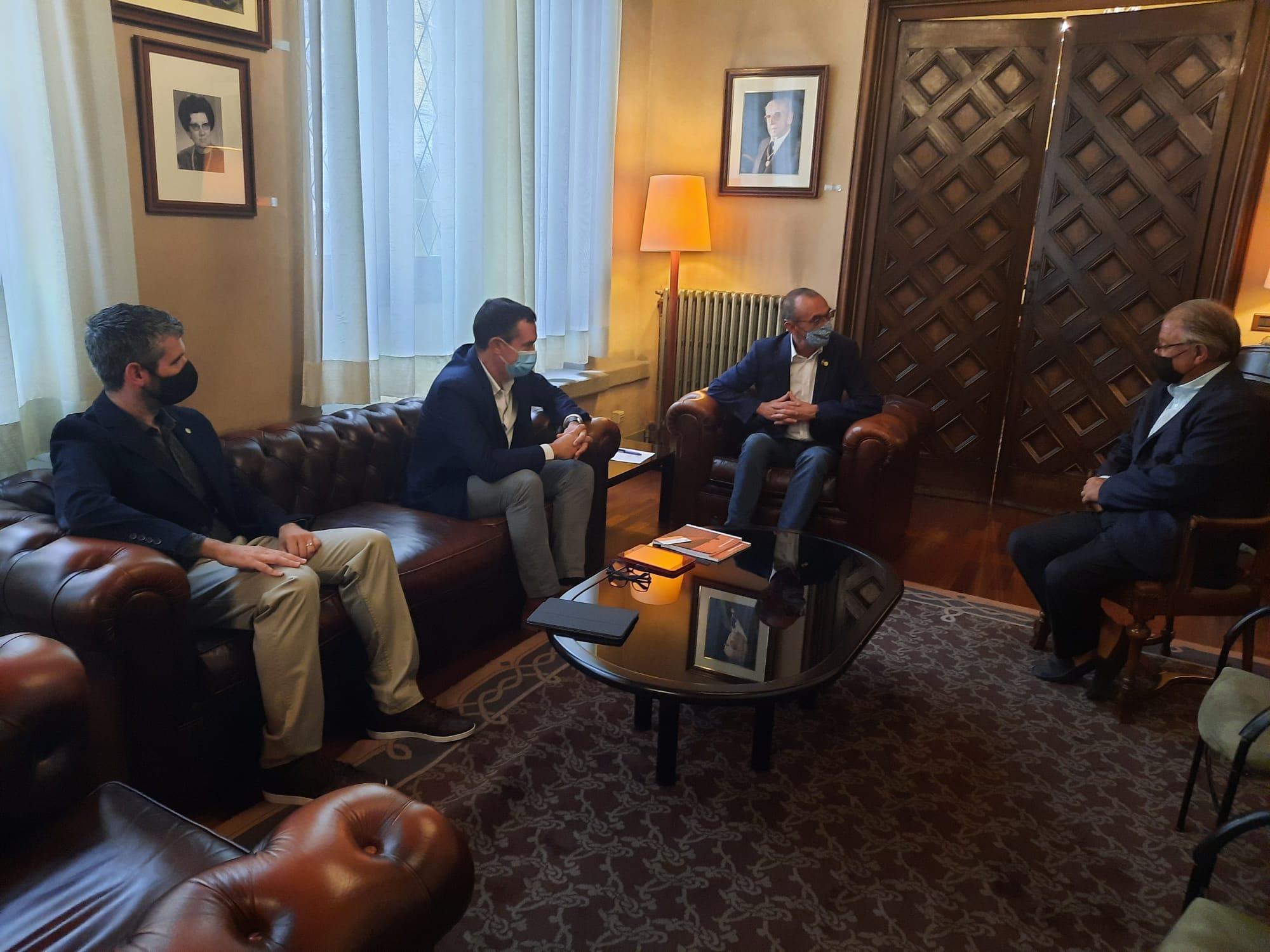 La Delegació de Lleida del COEAC es reuneix amb l'Alcalde  i el  Regidor de Promoció Econòmica de la Paeria de Lleida